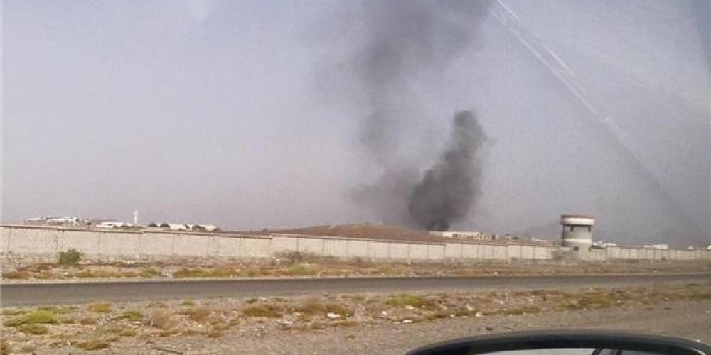 Photo of لحج .. هجوم بطائرة بدون طيار استهدف قيادات عسكرية بارزة بقاعدة العند