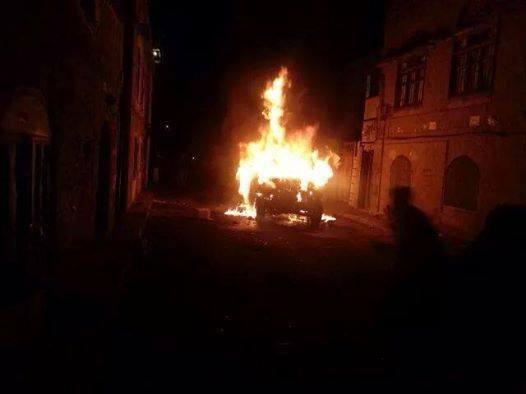 Photo of عدن .. انفجار عبوة ناسفة في سيارة مسئول عسكري