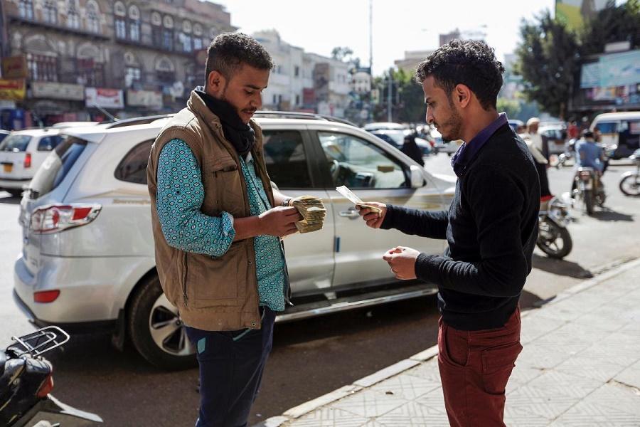 Photo of أسعار الصرف مقابل الريال اليمني الأحد 18 إبريل/نيسان 2021