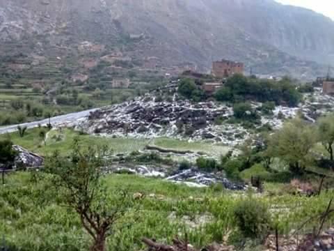 Photo of الأرصاد: استمرار حالة عدم استقرار الطقس وهطول الأمطار الرعدية على عدة مناطق