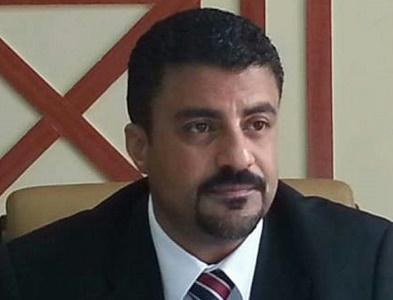 Photo of مصادر .. ايقاف محافظ عدن وتكليف قائما بأعماله