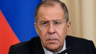 Photo of روسيا تكشف عن اتفاق كان بين موسكو وباريس بشأن دوما سبق الهجوم الثلاثي