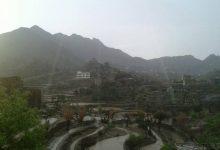 Photo of الأرصاد يحذر من استخدام الهواتف النقالة ويؤكد استمرار هطول الأمطار الرعدية وتراجع نسبي على بعض المناطق