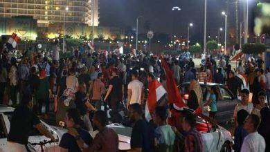Photo of السيسي يغادر مصر على وقع تظاهرات حاشدة تطالب برحيله