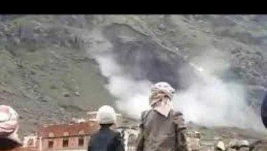 "Photo of فيديو"" .. انهيار كتلة صخرية غرب محافظة صنعاء"