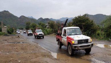 Photo of تعز .. قوة عسكرية تشتبك مع أخرى أمنية على ذمة اتهامات بتسهيل التهريب عبر جبل حبشي