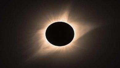 """Photo of غداً .. """"القمر الأسود"""" الوحيد لعام 2020 يرتفع في سماء الليل"""