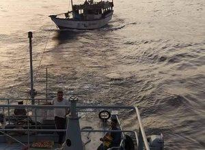 Photo of انقاذ سفينة بعد أيام من تعرضها لخلل فني قبالة سواحل المهرة