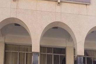 "Photo of محكمة استئناف أمانة العاصمة تؤيد حكم الاعدام على ""4"" متهمين بقتل الأغبري وتخفف العقوبة على متهمين"