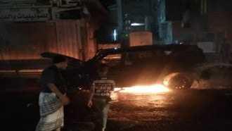 Photo of عدن .. إصابة قيادي أمني إثر انفجار عبوة ناسفة بالمنصورة