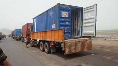 Photo of حاويات أسلحة تنقل إلى عدن من الساحل الغربي