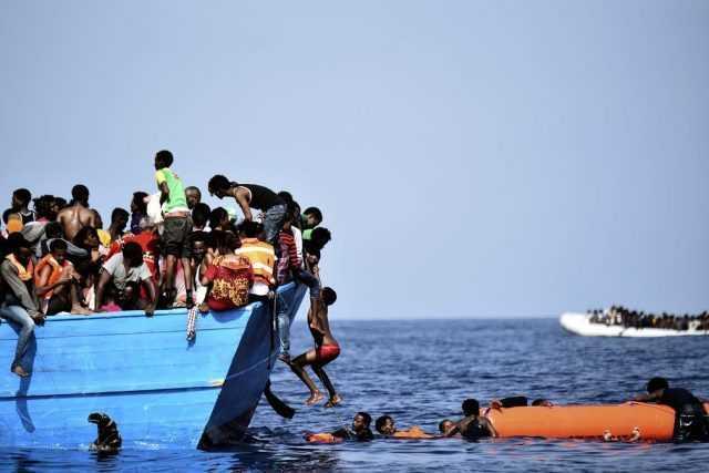 Photo of عقب حادث غرق مميت أودى بحياة عشرات المهاجرين .. عودة 160 أثيوبيا إلى ديارهم من اليمن