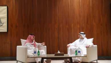 Photo of خلافات بين قطبي التحالف .. عيدروس يعود إلى عدن والفرحان يطير إلى أبو ظبي